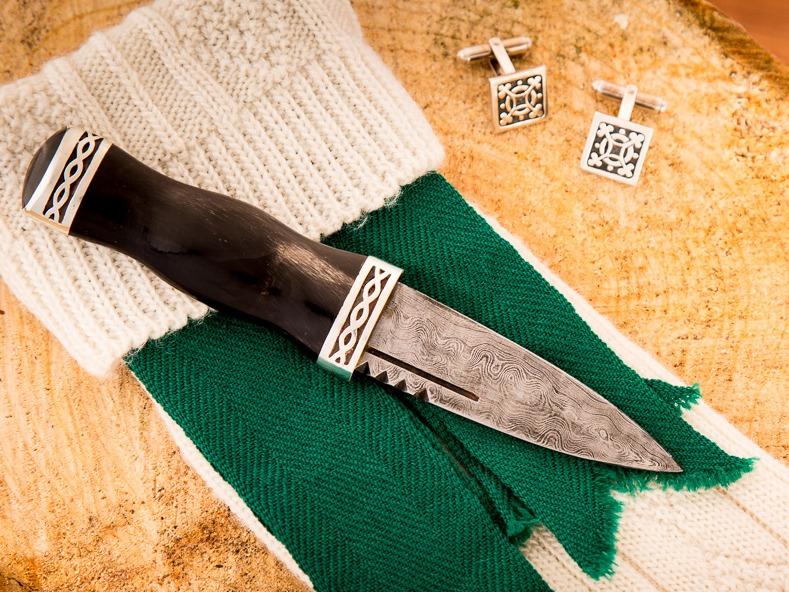 Buffalo Horn Sgian Dubh with Damascus blade